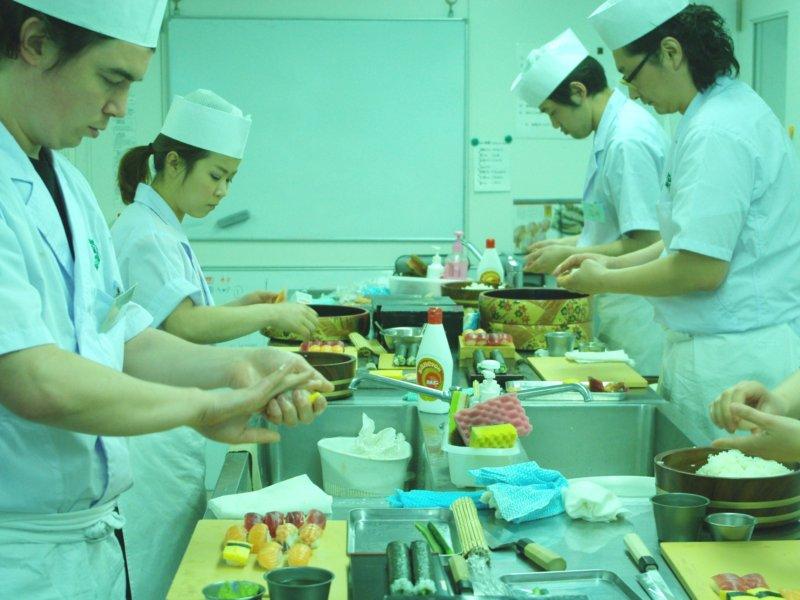 Sushi school in Tokyo
