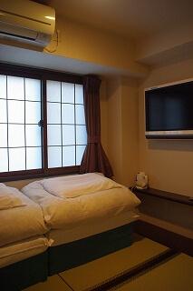 Tiny Japanese-style hotel