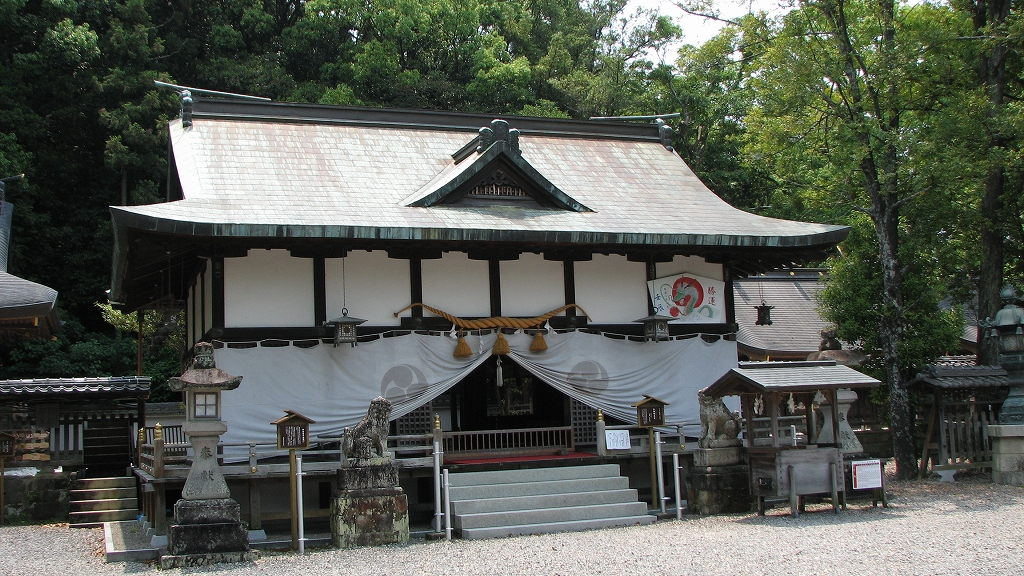 Cleanliness in an unclean world_ the Japanese shrine