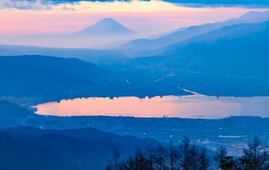 Lake Suwa and Mt. Fuji in the background